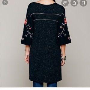 FREE PEOPLE Black Kimono Embroidered Sleeve